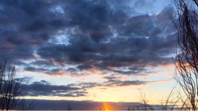 relaxation for falling asleep at dusk: picture of clouds in the sky at sunset